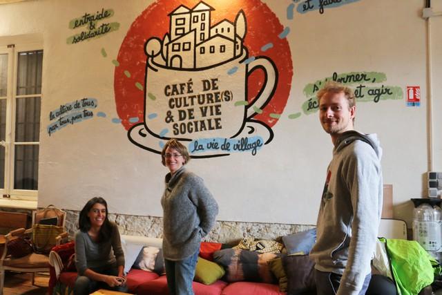 Au Maquis gère le café villageois à Lauris