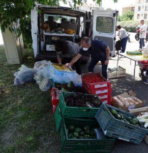 les paniers distribués à Arles par le Secours Populaire -